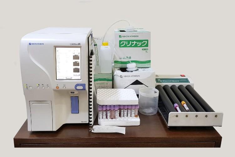 혈액검사기